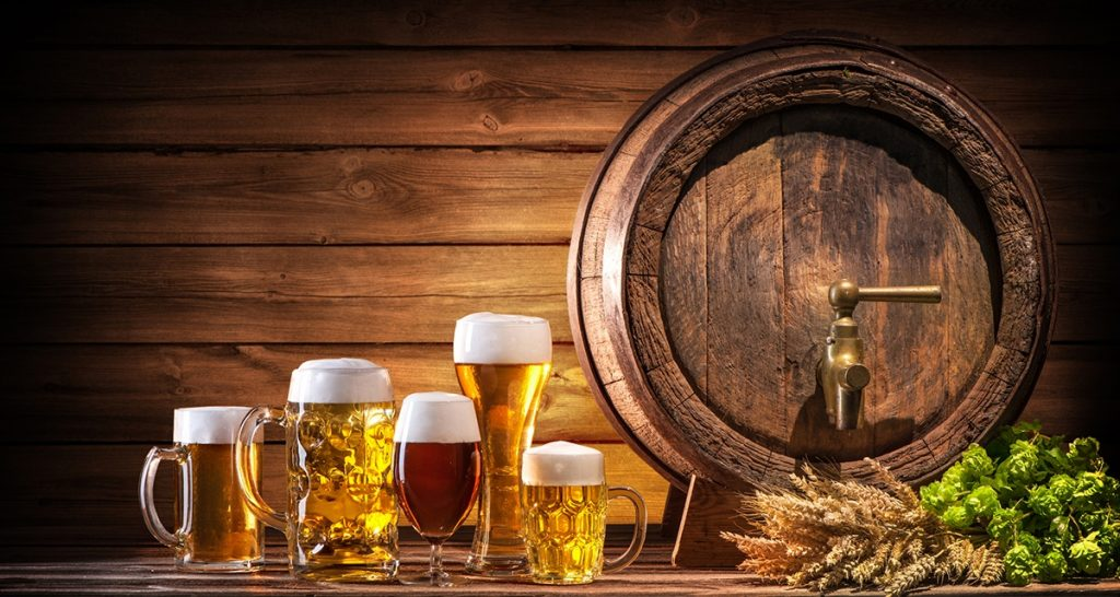 Image of a barrel and beer glasses