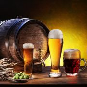 Image of beer glasses with a barrel