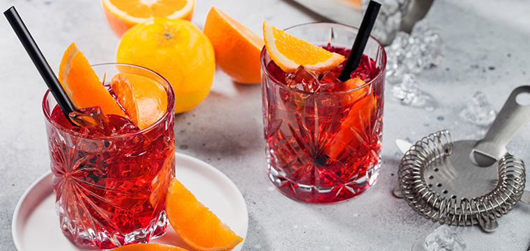 image of two negroni cocktails