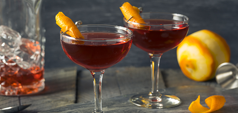 Image of two Boulevardier cocktails